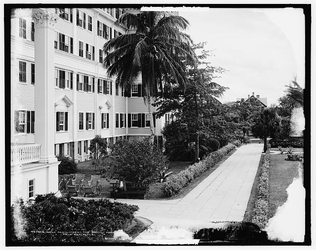 Walk and gardens, the Royal Poinciana [Hotel], Palm Beach, Fla.