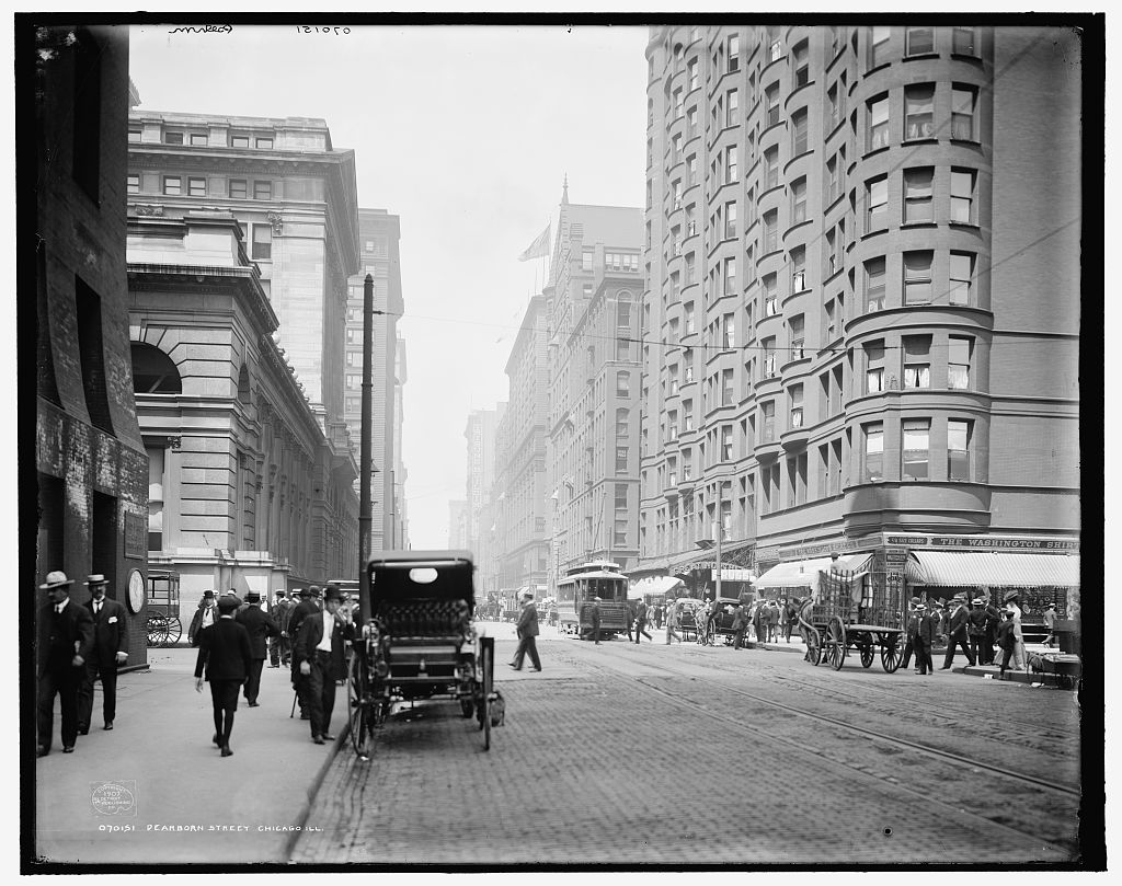 1907 photo of Dearborn Street in Chicago