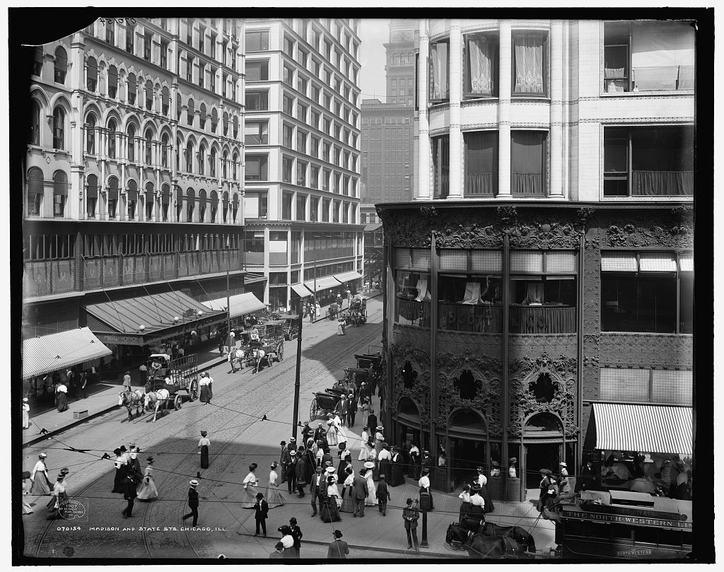 1907 photo of Wabash Avenue in Chicago