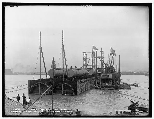 Sinking last tubular section, Detroit River tunnel