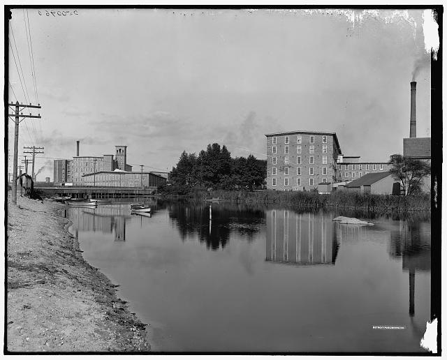 [Barnard and Wampanoag Mills, Inequedan River, Fall River, Mass.]