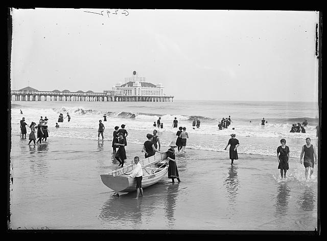 [Children with boat on beach at Atlantic City, N.J.]
