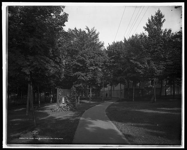 Park and auditorium, Bay View, Mich., The