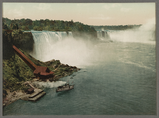 Niagara, general view of falls