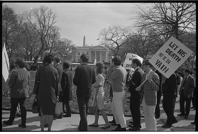 "[Demonstrators with signs, one reading ""Let not his death be in vain"",  in front of the White House, after the assassination of Martin Luther King, April, 1968]"
