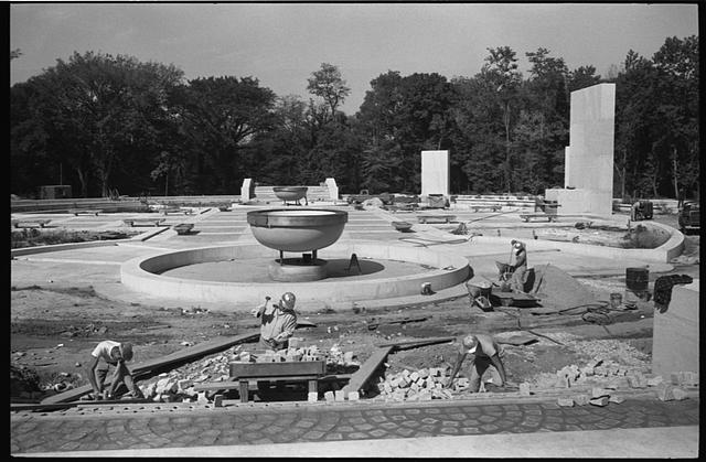 [The memorial to Theodore Roosevelt under construction on Theodore Roosevelt Island, Washington, D.C.]