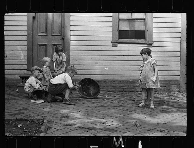 White children playing in Georgetown, Washington, D.C.
