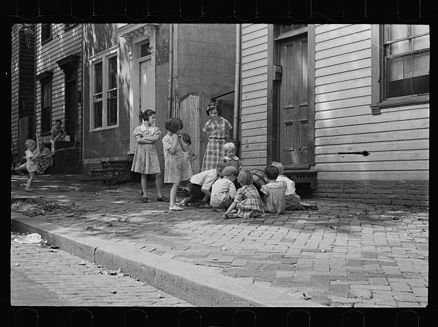 Poor children playing on sidewalk, Georgetown, Washington, D.C.
