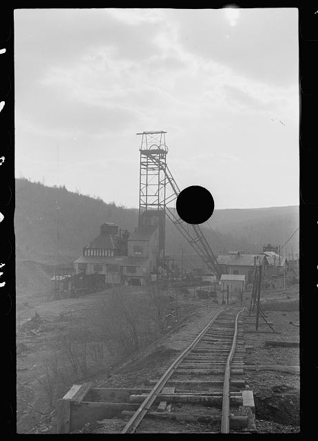 [Untitled photo, possibly related to: Mine tipple, Kempton, West Virginia]