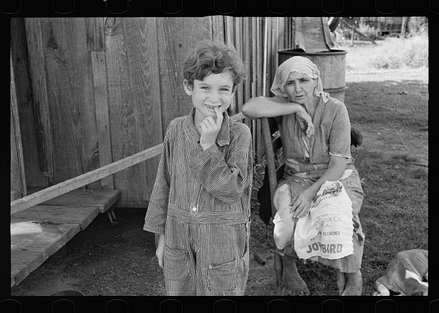 [Untitled photo, possibly related to: Wife and child of sharecropper, Tangipahoa Parish, Louisiana]