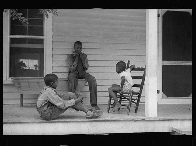 [Untitled photo, possibly related to: Sharecropper's children]