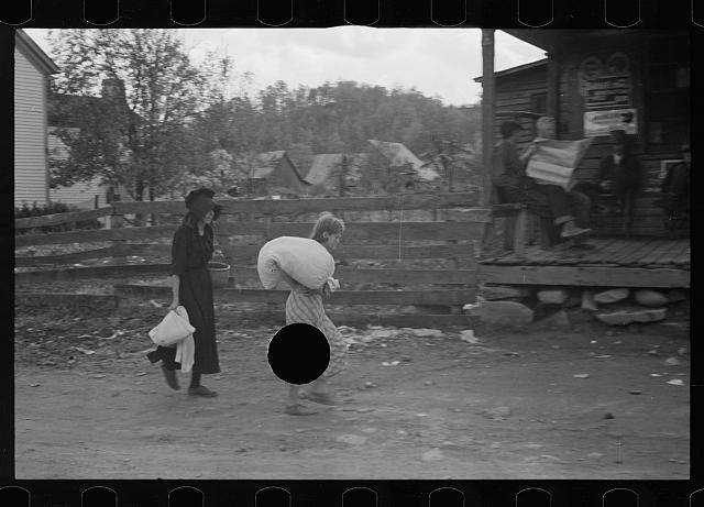 [Untitled photo, possibly related to: Citizens of Nethers in front of post office, Virginia]