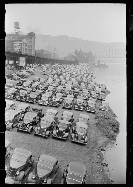 [Untitled photo, possibly related to: Cars parked along Allegheny River, Pittsburgh, Pennsylvania]