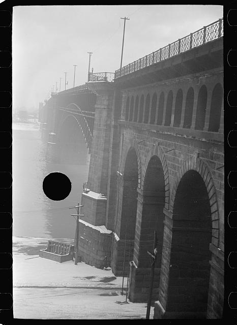 [Untitled photo, possibly related to: Toll bridge over Mississippi River, Saint Louis, Missouri]