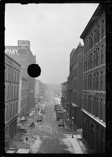 [Untitled photo, possibly related to: Downtown street, Saint Louis, Missouri]