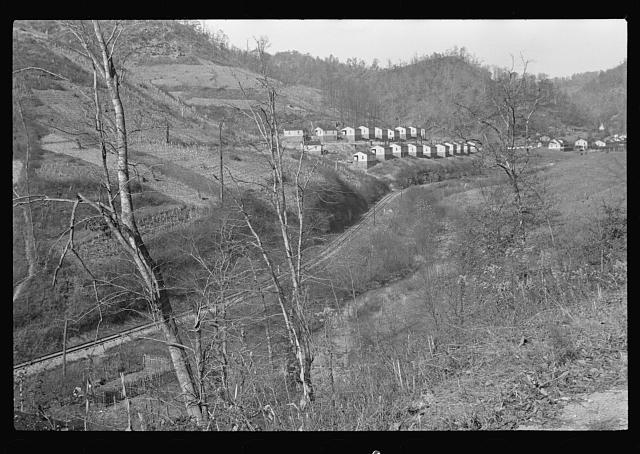 [Untitled photo, possibly related to: The heart of the largest coal region in the world, near Jenkins, Kentucky]
