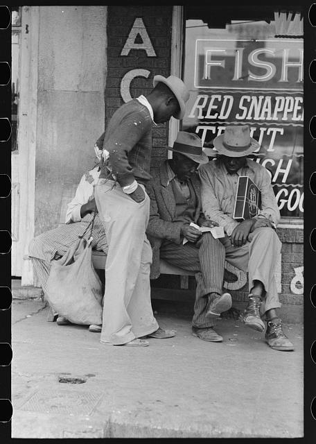 [Untitled photo, possibly related to: Negroes talking, market square, Waco, Texas]