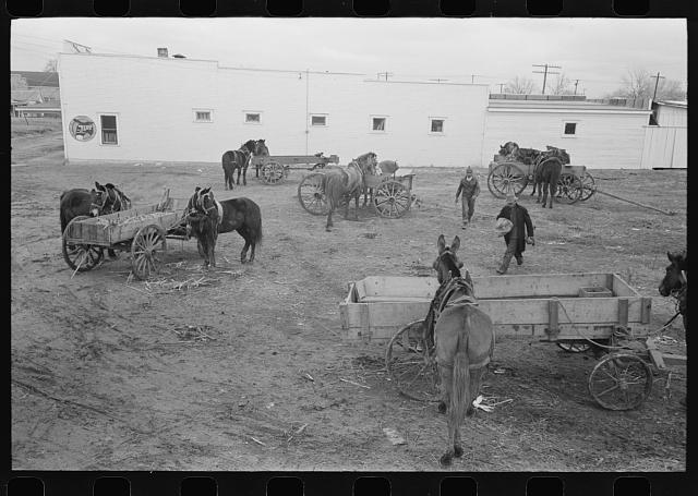 Lot in which farmers leave their wagons and horses while attending to do business in Eufaula, Oklahoma