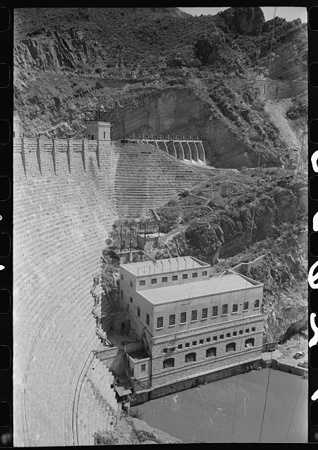 [Untitled photo, possibly related to: Power house at Roosevelt Dam, Roosevelt, Arizona]