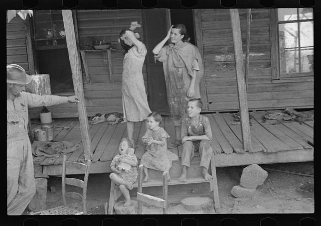 [Untitled photo, possibly related to: Floyd Burroughs and Tengle children, Hale County, Alabama]