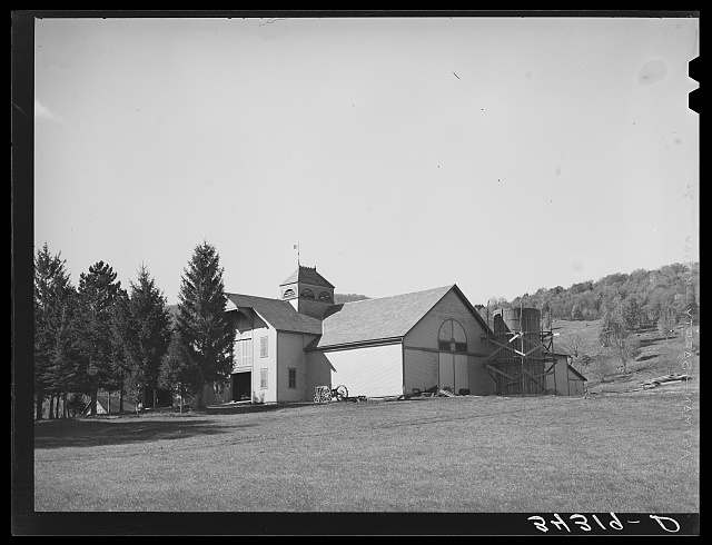 Barn on U.S. 7 near Arlington, Vermont