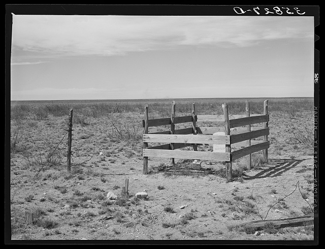 Grave on the high plains. Dawson County, Texas