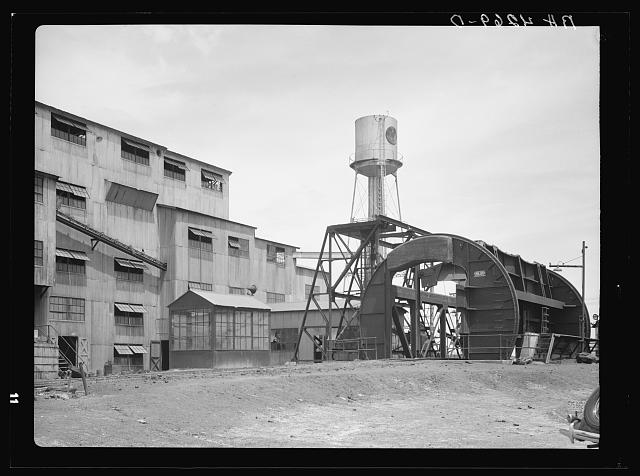 Main plant of a large coal mining company. Cherokee County, Kansas