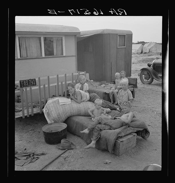 Children from Chickasaw, Oklahoma, in a potato pickers' camp near Shafter, California