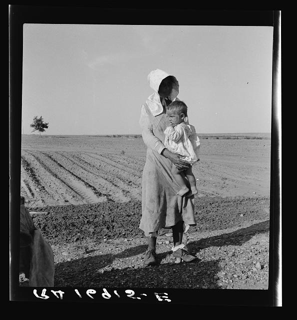 Mother and child of flood refugee family, near Memphis, Texas