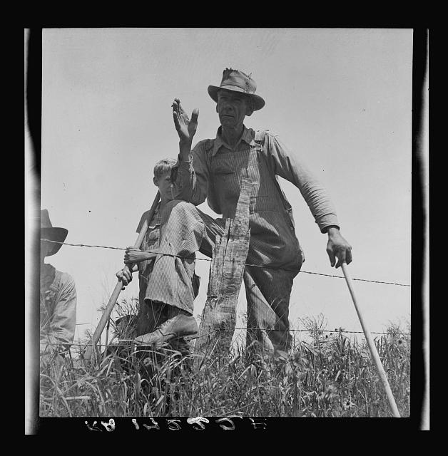Day laborer near Oil City, Oklahoma. Carter County, Oklahoma