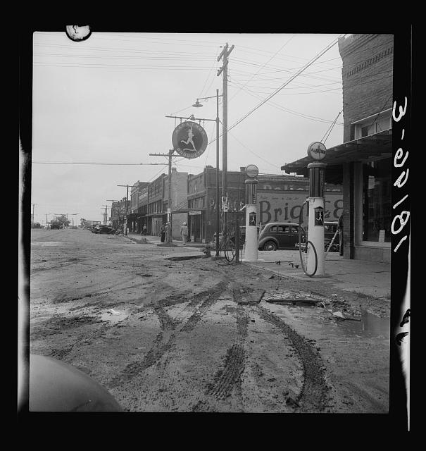 The town of Caddo, Oklahoma. Migrants leave the small towns as well as the farms of the southwest. This region is a source of many emigrants to the Pacific Coast