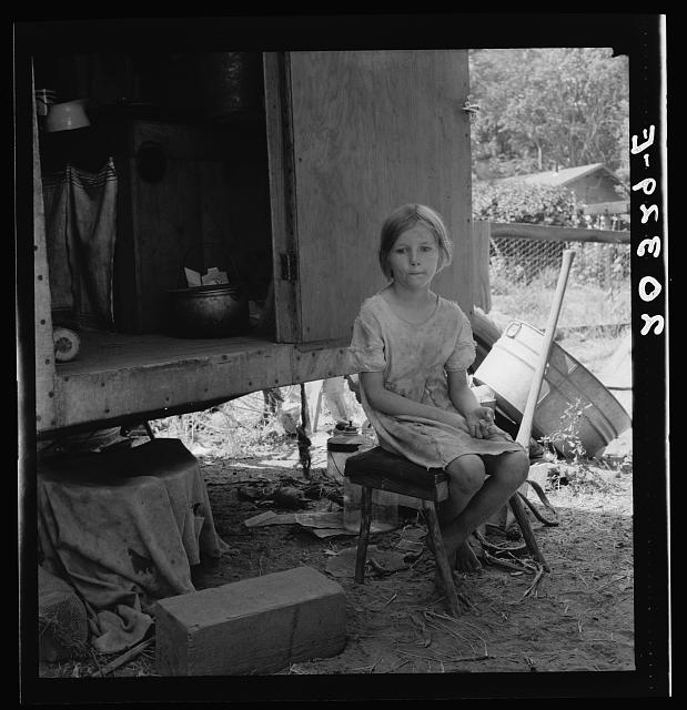 Motherless migrant child. Washington, Toppenish, Yakima Valley