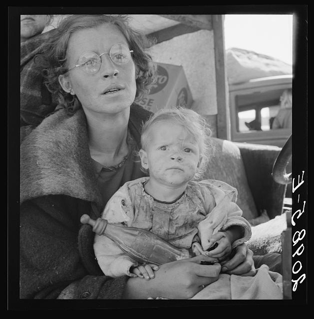 Mother and baby of family on the road. Tulelake, Siskiyou County, California. General caption number 65
