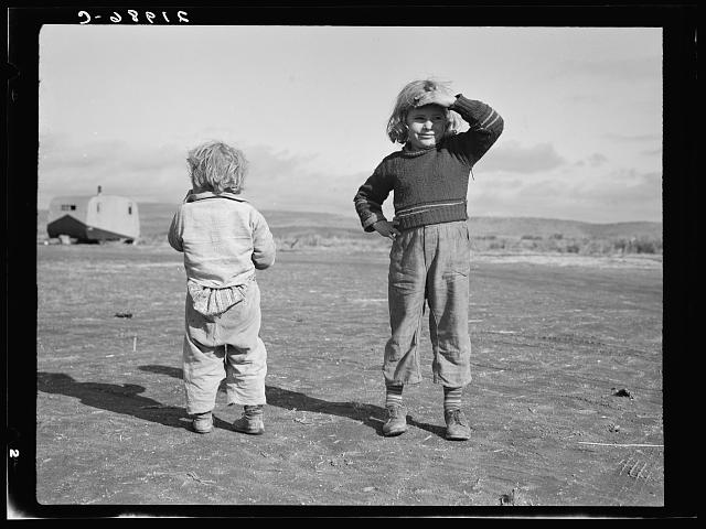 Migrant children. Merrill, Klamath County, Oregon. In unit of FSA (Farm Security Administration) mobile camp