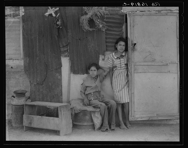 Children of Mexican cotton laborers. Casa Grande, Arizona