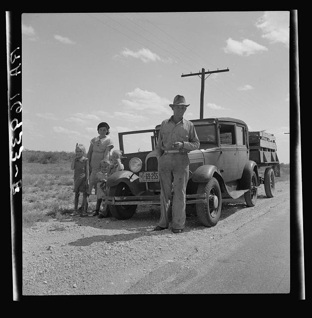 Migrant oil worker and family near Odessa, Texas