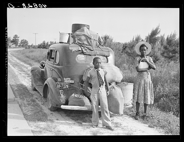 Group of Florida migrants on their way to Cranberry, New Jersey, to pick potatoes. Near Shawboro, North Carolina