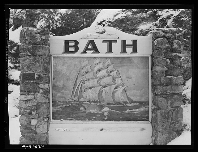Sign at entrance to Bath, Maine