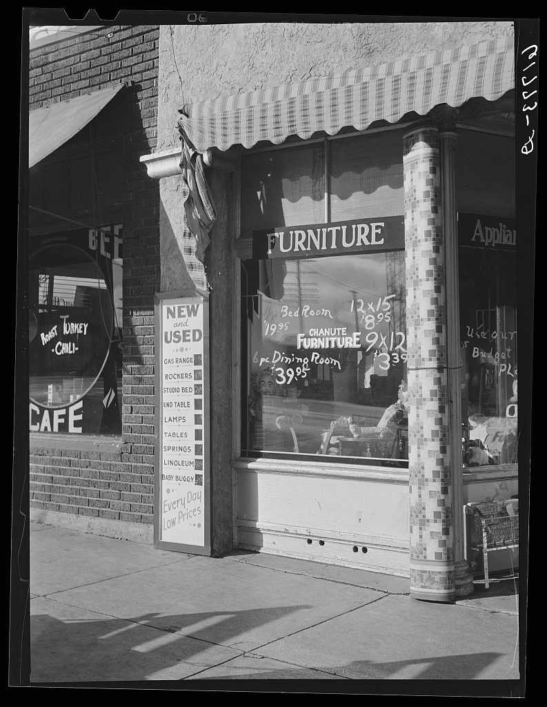 Superb Secondhand Furniture Store. Chanute, Kansas 1940