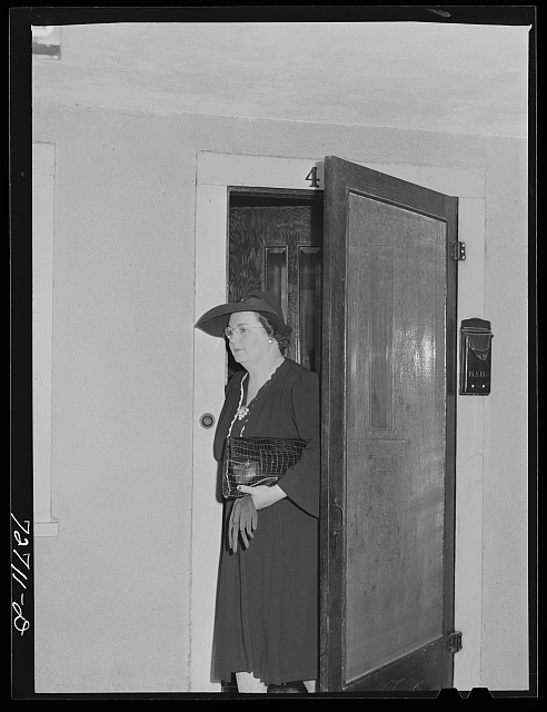 Turlock, California. Housewife leaves for shopping trip in town