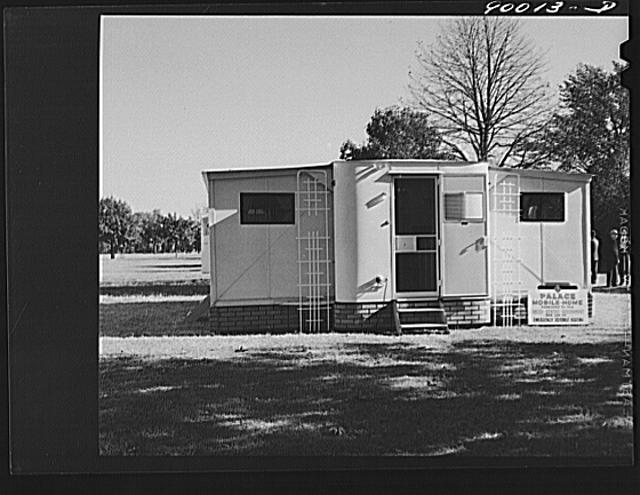 Palace mobile home. Expansion trailer for emergency defense housing demonstrated in Washington tourist camp. Washington, D.C.