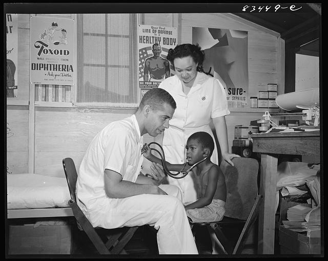 Bridgeton, New Jersey. FSA (Farm Security Administration) agricultural workers' camp. The clinic
