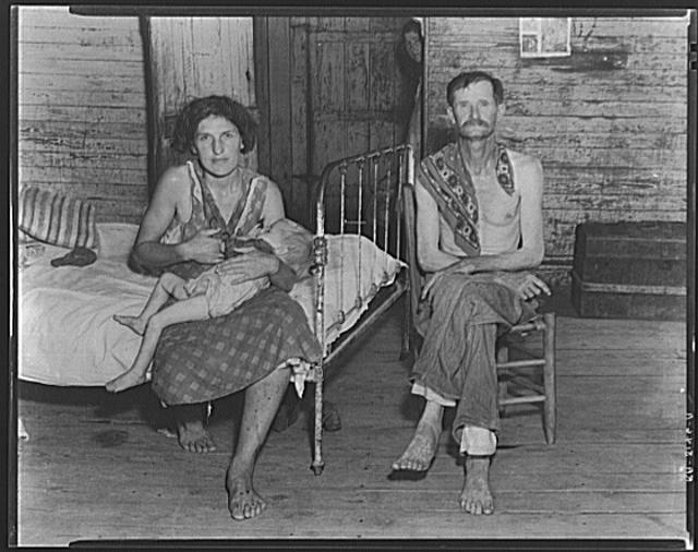 Bud Fields with his second wife, Lily Rogers Fields and their daughter. Hale County, Alabama