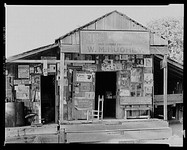 Country store near Moundville, Alabama