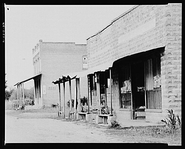 Abandoned stores. Advance, Alabama