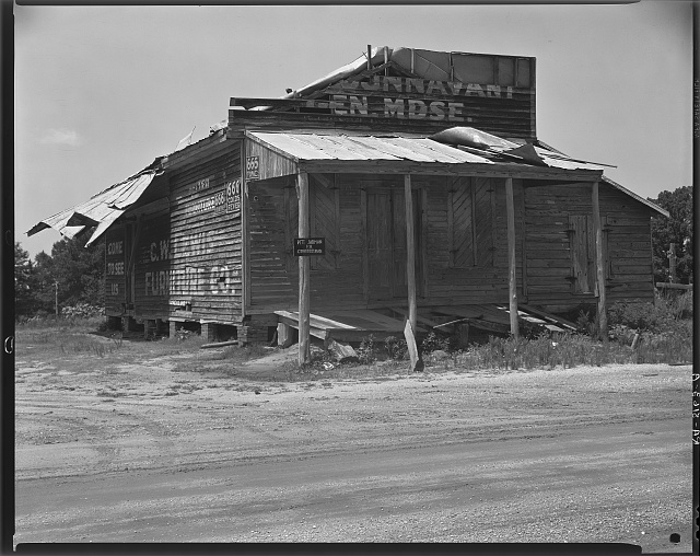 Abandoned store. Advance, Alabama