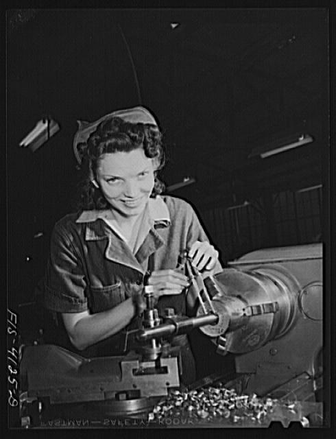 Knoxville, Tennessee (Tennessee Valley Authority (TVA)). Training for war production at NYA (National Youth Administration) school