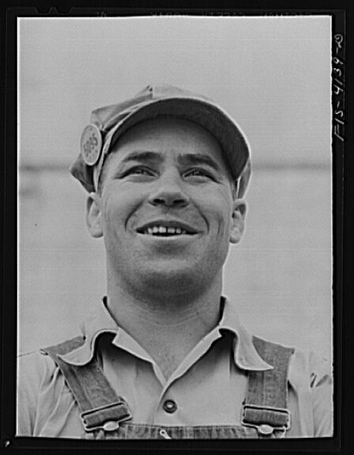 Cherokee Dam, Tennessee (Tennessee Valley Authority (TVA)). Worker