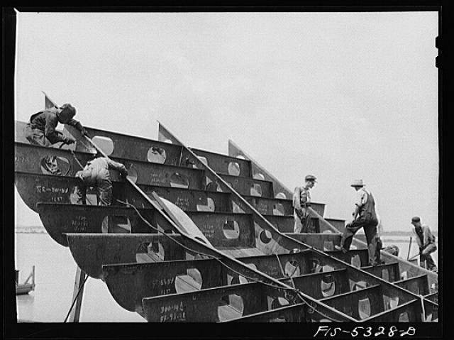 Decatur, Alabama. Ingalls Shipbuilding Company. The stern of one of the oceangoing barges under construction