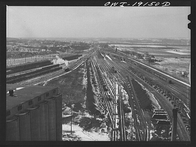 Argentine, Kansas. General view of the west end of the Atchison, Topeka and Santa Fe Railroad yard